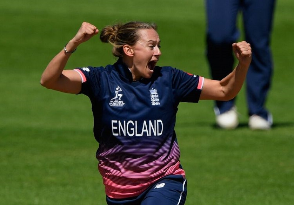 England World Cup winner Laura Marsh announces her retirement