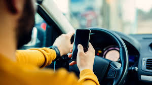 UK bans mobile phone during driving
